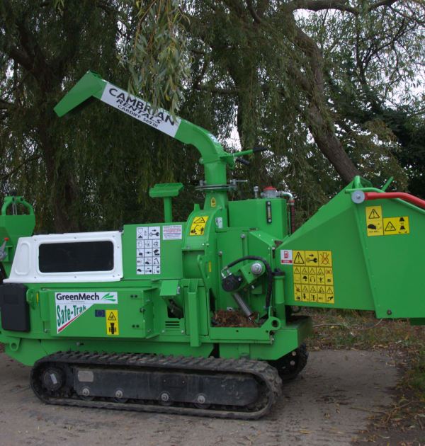 2015 GreenMech SAFE-Trak 19-28 MK2 8 inch Tracked Wood Chipper 1