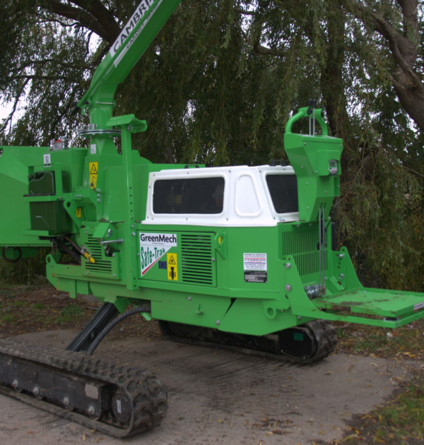 2015 GreenMech SAFE-Trak 19-28 MK2 8 inch Tracked Wood Chipper 2