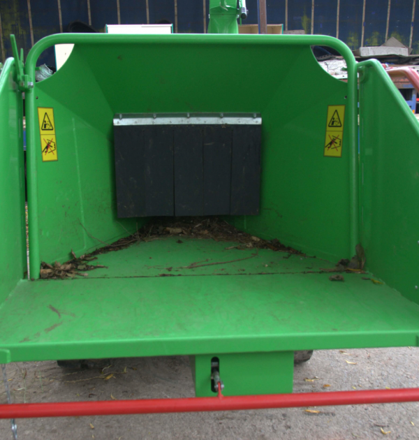 2015 GreenMech SAFE-Trak 19-28 MK2 8 inch Tracked Wood Chipper 3